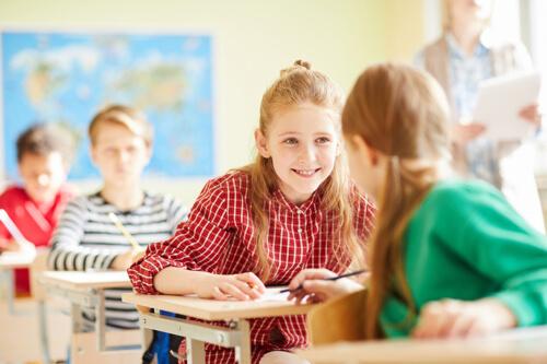 Wir helfen Kindern, bessere Ergebnisse und Noten im Englisch-Unterricht zu erzielen. Das Angebot reicht von Englisch-Nachhilfe im privaten Einzelunterricht bis zu Englisch-Gruppenunterricht.